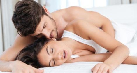 quan hệ tình dục buổi sáng có tốt không